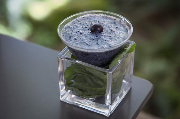 Blueberry, Basil and Almond Milk Smoot