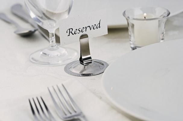 dining table place setting
