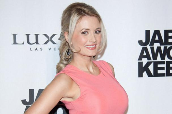 Holly Madison Launches Diet for New Moms