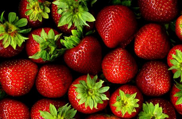 Infographic: Everything You Need to Know About Strawberries